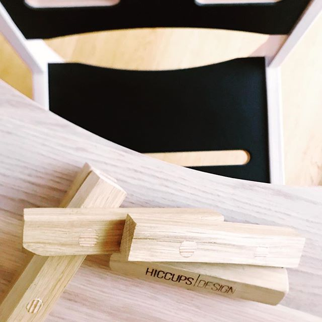 Ses vi på messen i Øksnehallen i weekenden?  @skovalfen har pyntet op med vores møbler - de er selvfølgelig også at finde i deres butik. . . #copenhagen #kidsroom #messe #danskdesign #handmade #möblerförlivet #kidsdesign