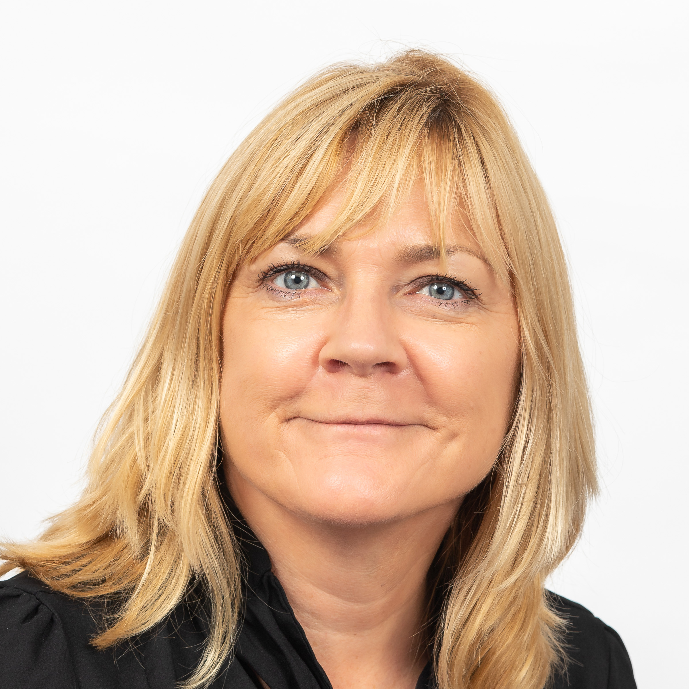 CHRISTINE CORMACK WOOD,  HEAD OF MARKETING  Chrissie is Head of Marketing at Hivemind, using her marketing know-how to help explain the complicated things data scientists do.   READ MORE