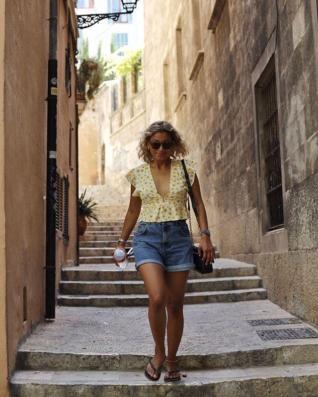 Exploring Palma Mallorca . . . . . #photography #streetphotography #summer #spain #mallorca #palma #oldtown #explore #sunshine #sun