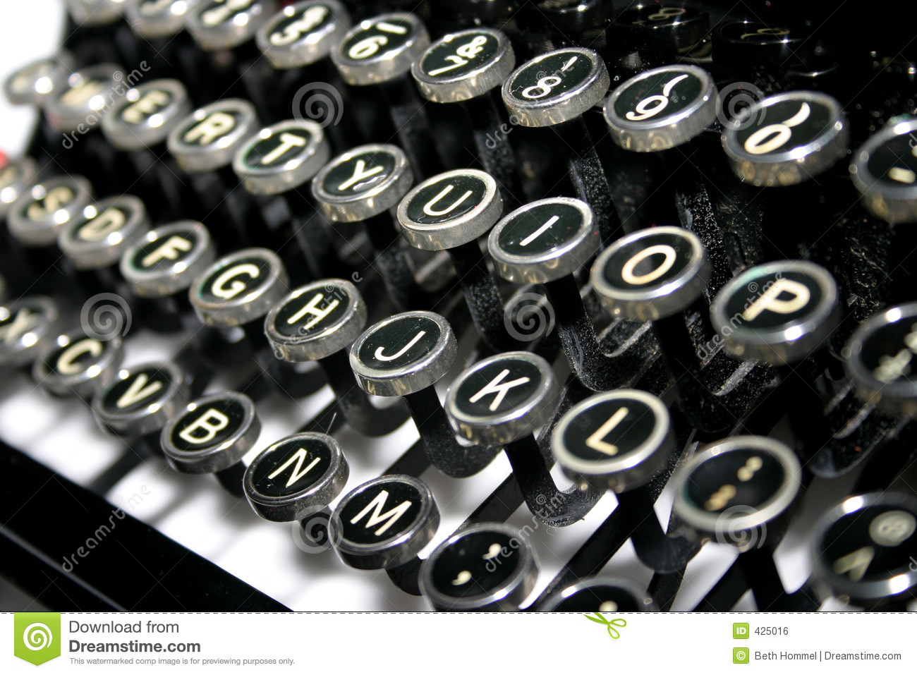 typewriter-keys-425016.jpg