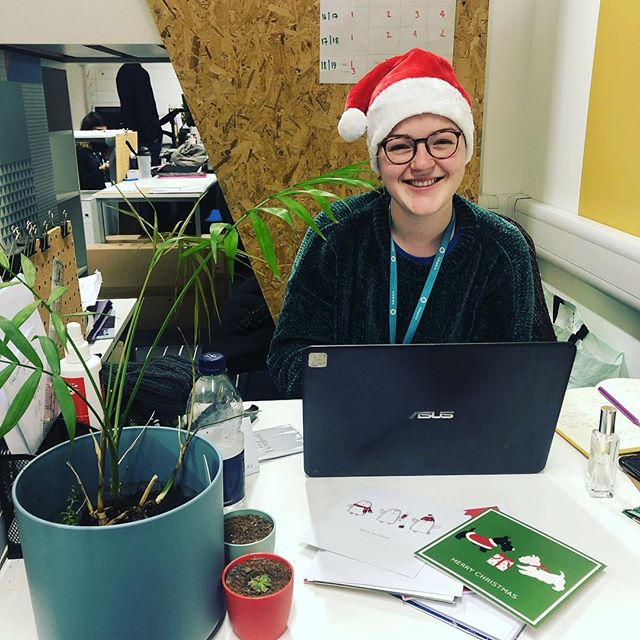 It's beginning to look a lot like Christmas! 🎄 . Here's Bronte looking festive while doing some data crunching of this year. Excel is the gift that keeps on giving! 🎁 💝 . . . #christmas #volunteer #volunteering  #volunteers #fundraising #fundraisingideas #fundraisingevent #access #wideningparticipation #oxforduniversity #cambridgeuniversity #oxforddphil #cambridgema