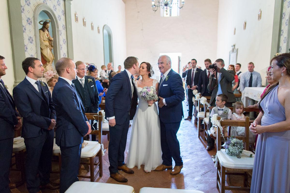 wedding tuscany vicchiomaggio castle-36.jpg
