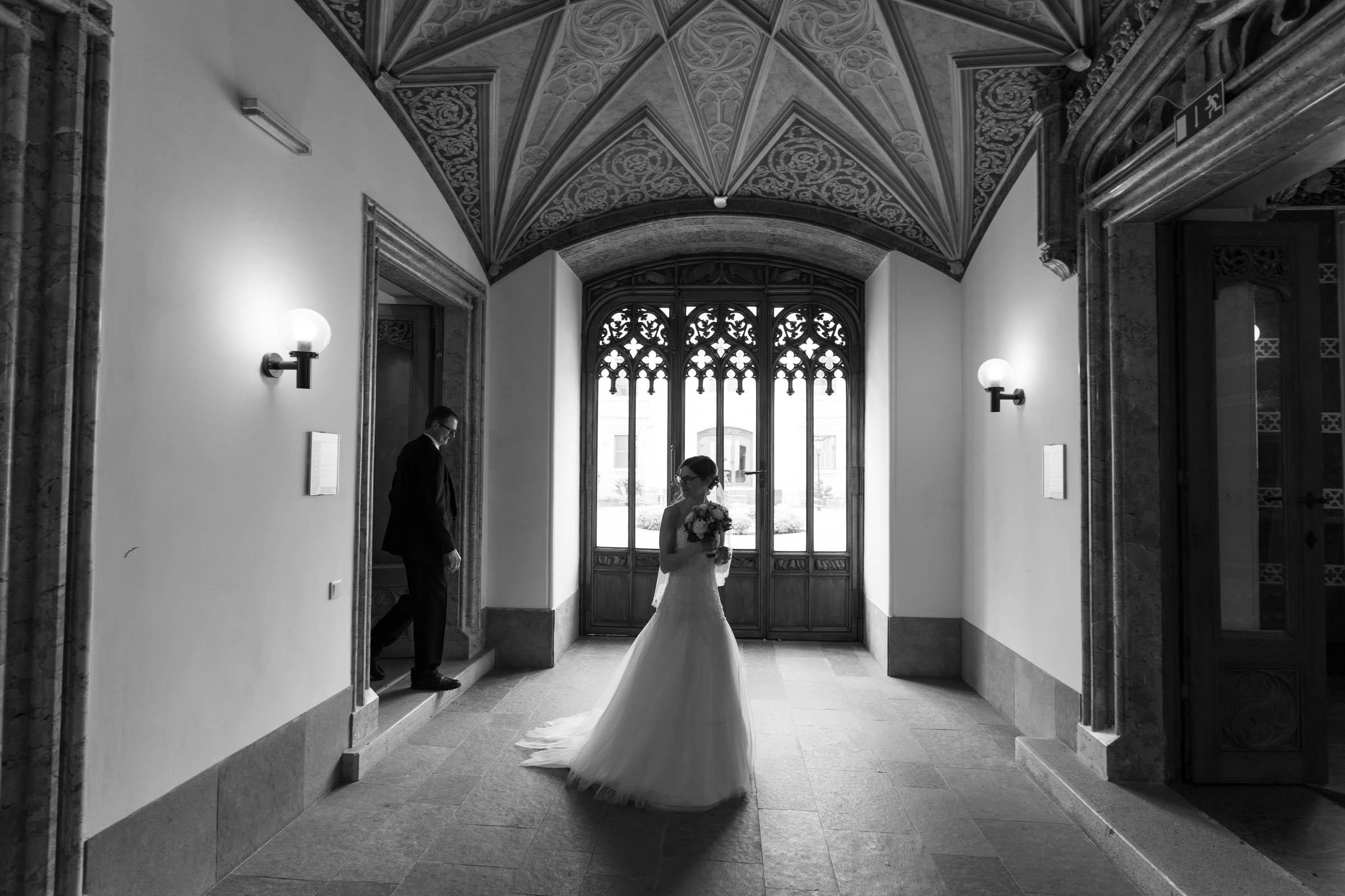 Schloss Hernstein Wedding bride arrival