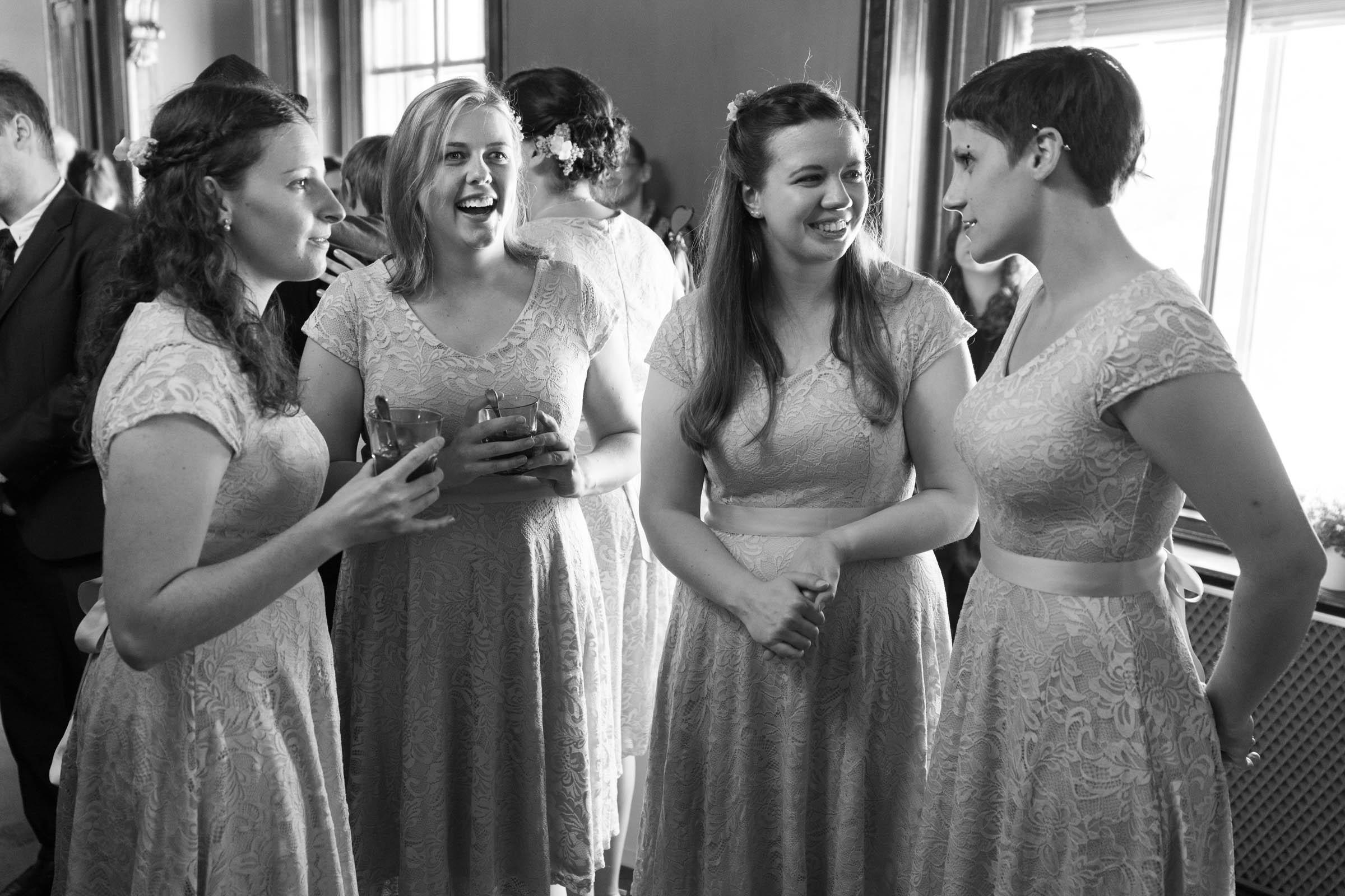 Schloss Hernstein Wedding bridesmaids