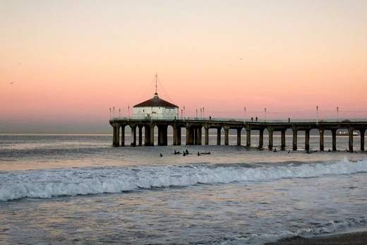 USA TODAY TOURS MANHATTAN BEACH AT SUNRISE