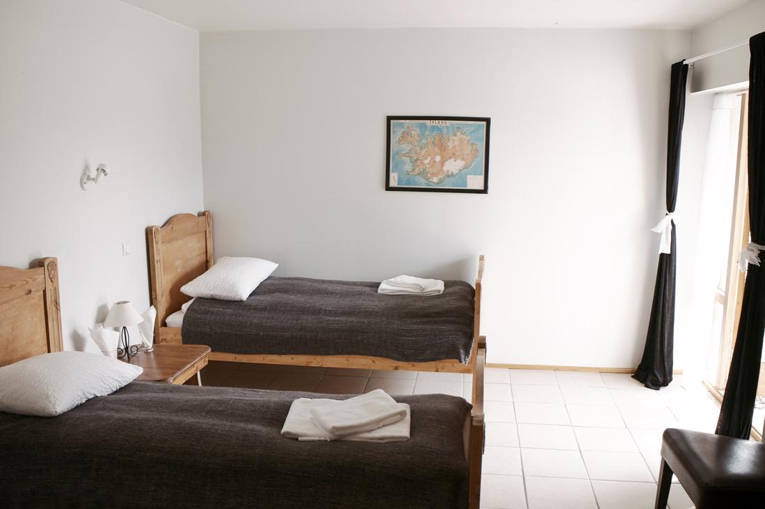 3 hotel-a.jpg