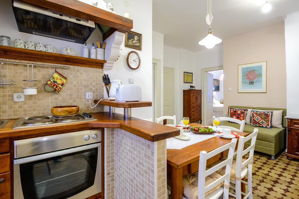 guesthouse-flores3.jpg