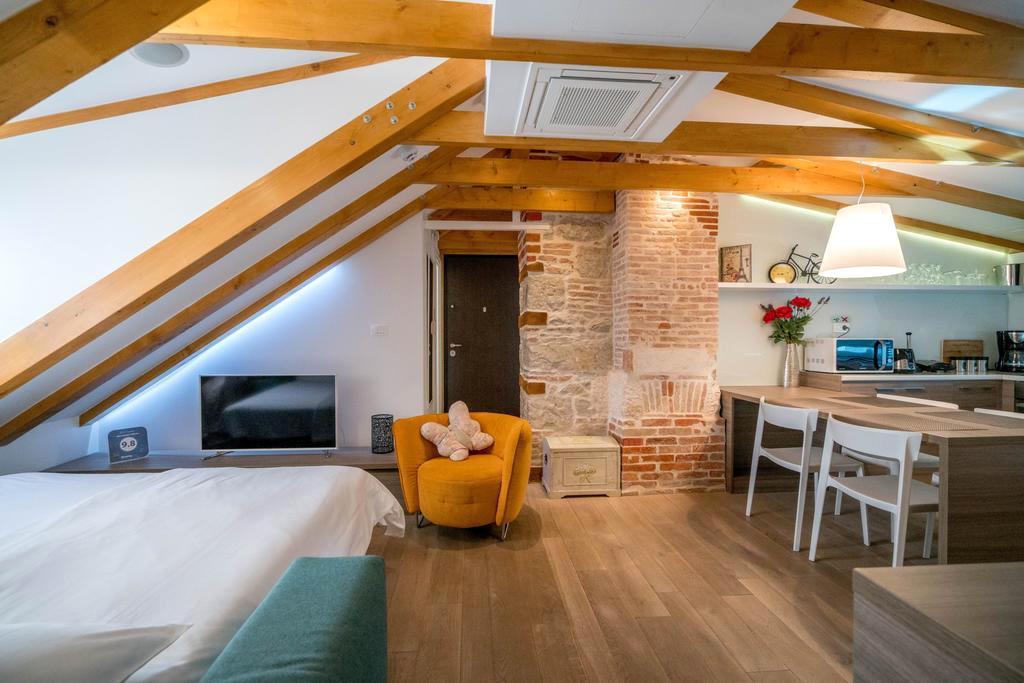 apartment-atticus1.jpg