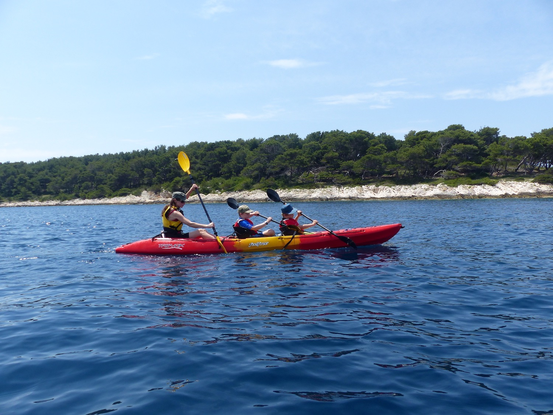 kayaking-pakleni-islands-hvar.jpg