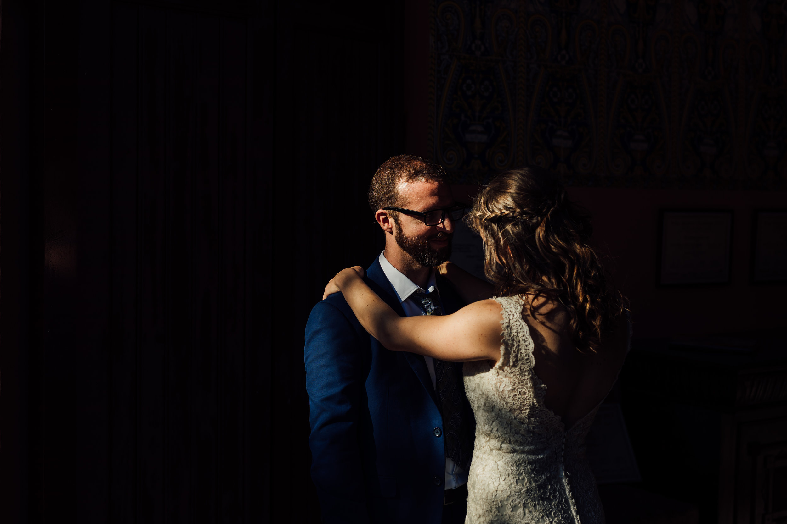 A bride and groom on their Wedding day at Torre de Vergeur, Barcelona by Jo Kemp Photography