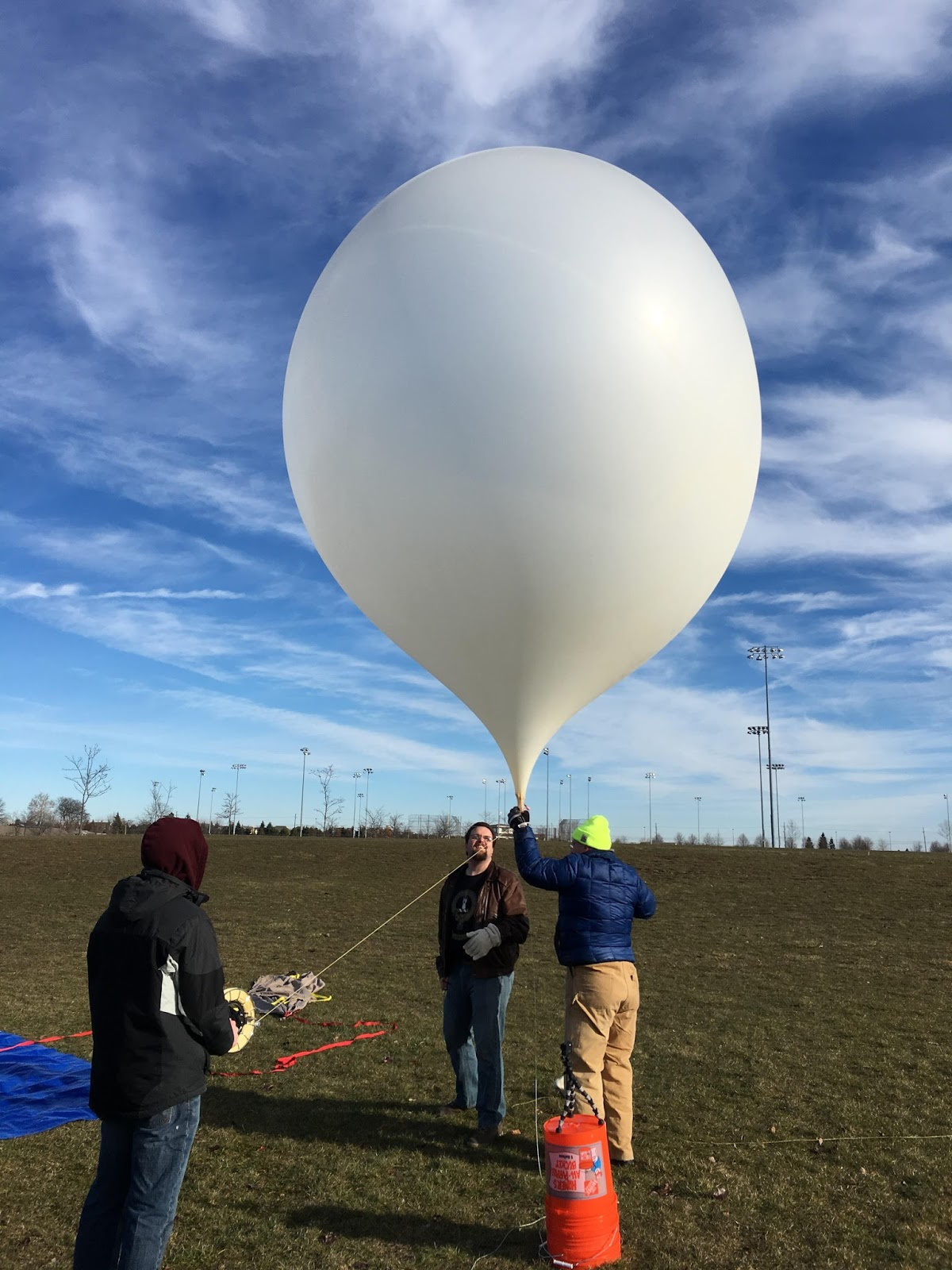 1200 gram balloon inflated with about 13,000 liters / 460 cubic feet of helium during the first HAPP test flight