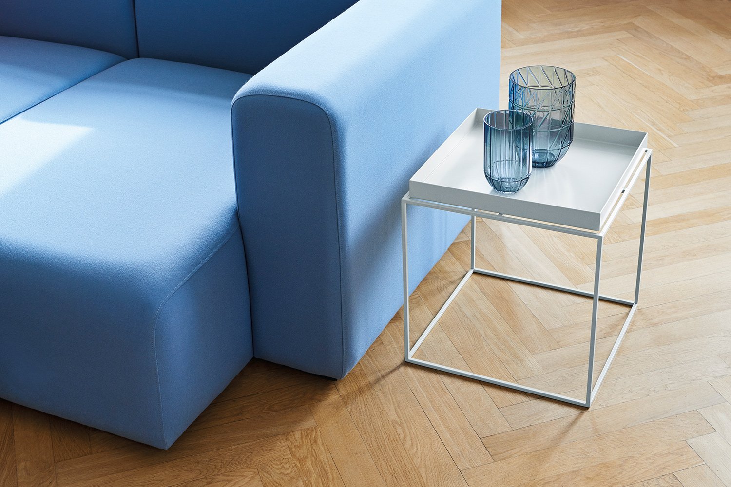 Mags-Upholstery-Hero-711,-Tray-Table-M-white.jpg