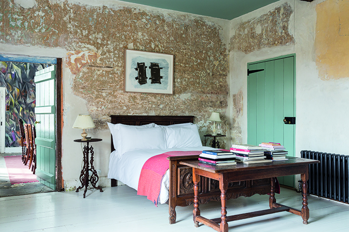 Downstairs master bedroom: Phyllida Barlow,  Untitled: streetleaningobjects , 2011, © Phyllida Barlow, courtesy the individual artists and Hauser & Wirth