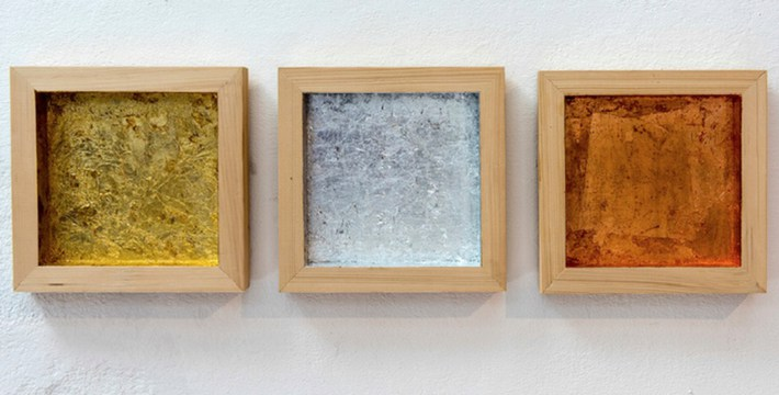 """Three Times Rauschenberg, Ordinary Objects 2015, Gold, silver and cooper leaves on wood. 10"""" x 10"""" x 11/2"""" Each (25,4 x 25,4 cm) Courtesy of Ana Mas Projects"""
