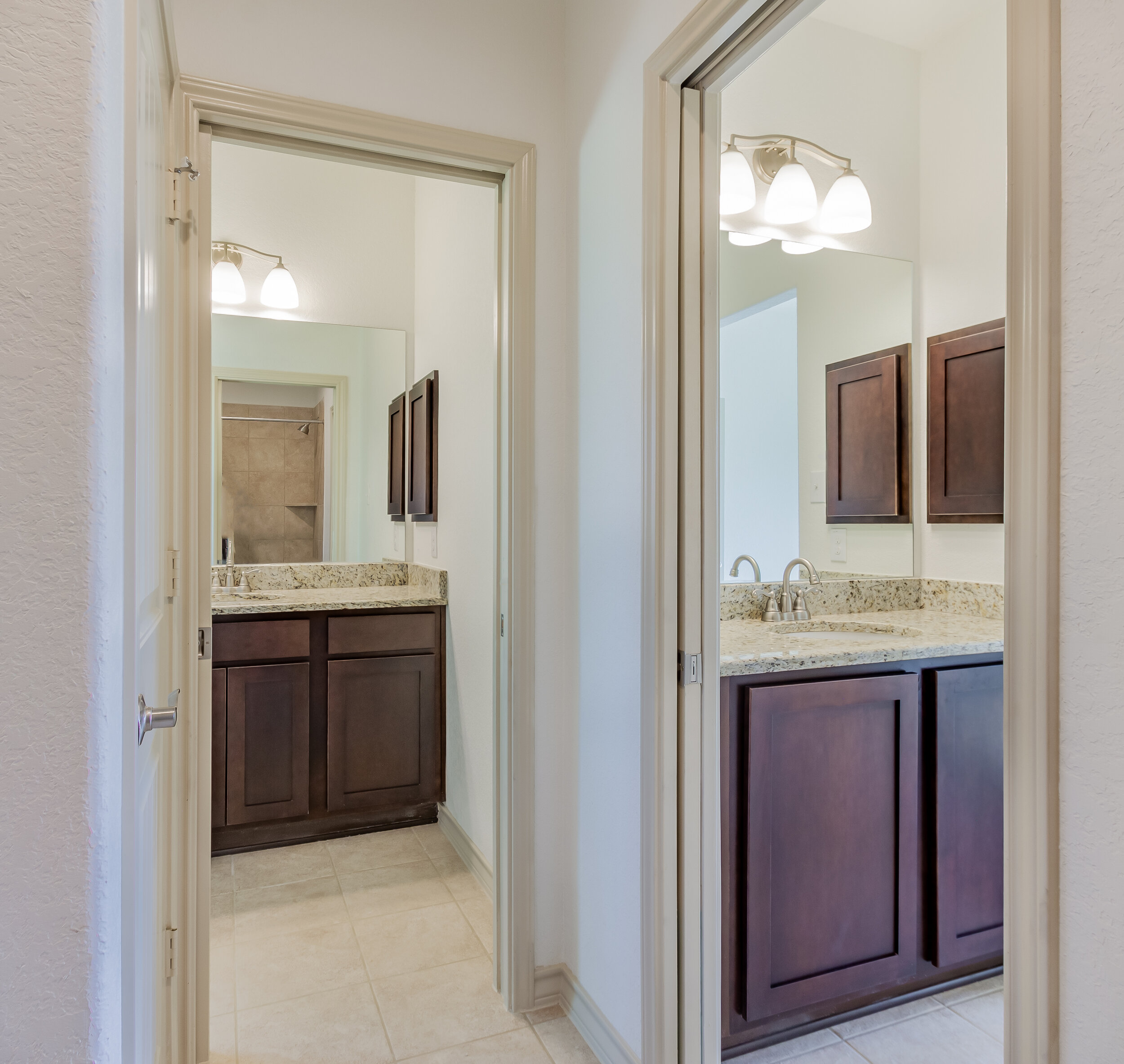 Bathroom 2c.jpg