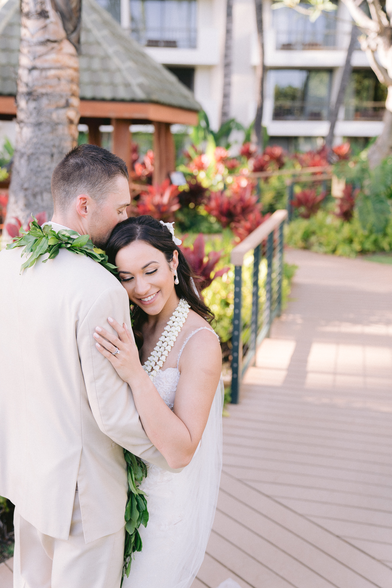hawaii-destination-wedding-photo-10.jpg