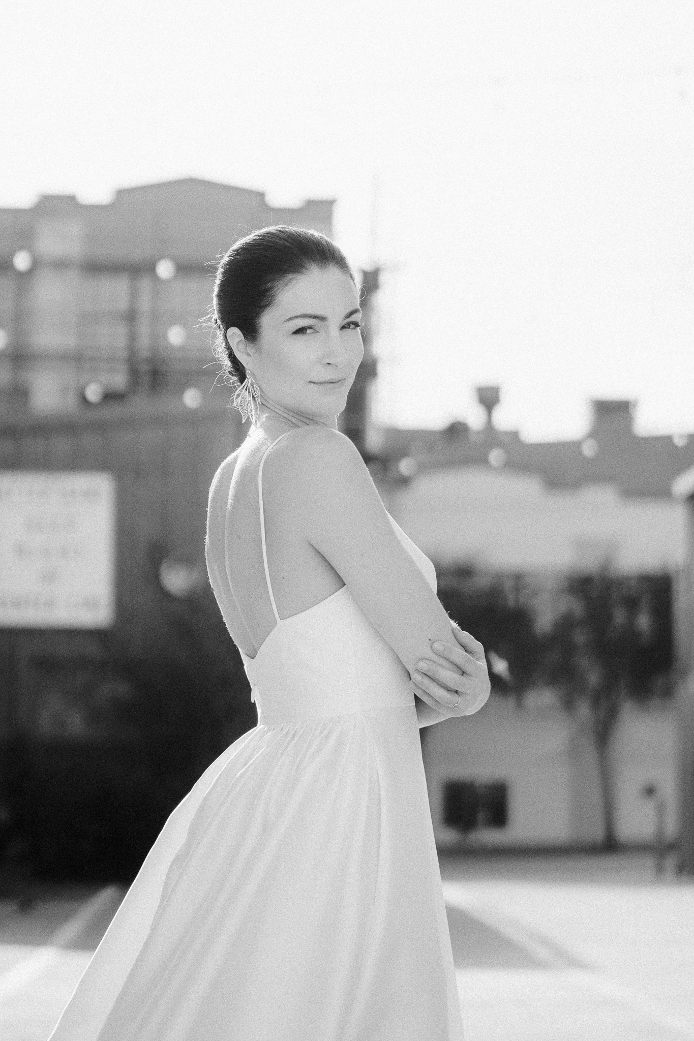 black and white portrait of a bride in san francisco streets.