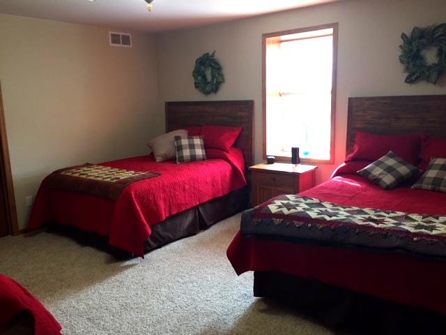 farmhouse room 10-1-18.JPG