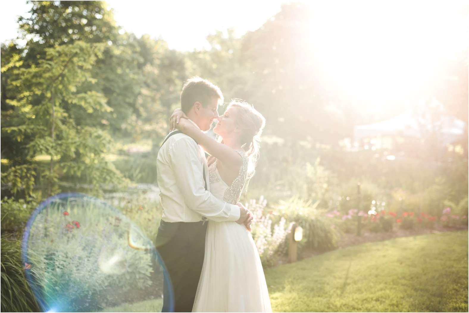 sunset_kiss_wedding_linden.jpg