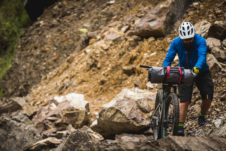 new zealand mountainbiker motu