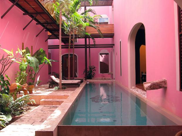 Rosas & Xocolate boutique hotel