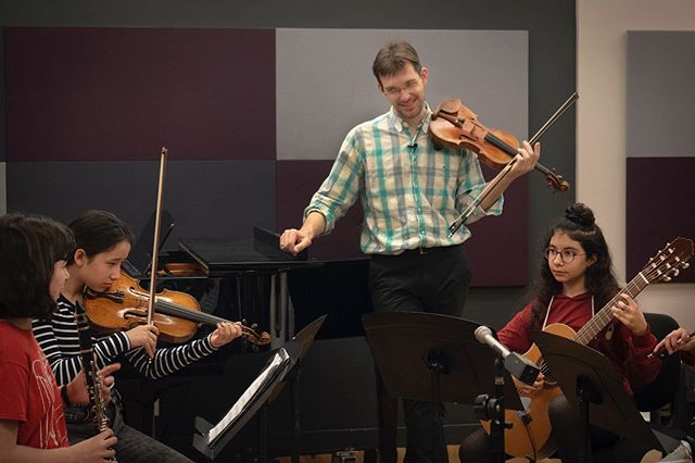 In our fourth and final masterclass in our series, violinist Jesse Mills returned to CMC and gave another stunning masterclass!