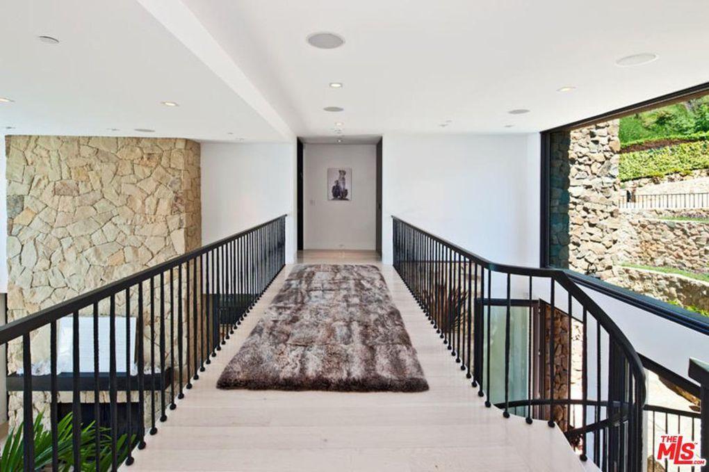 Malibu Stone House upstairs hallway to master.jpg