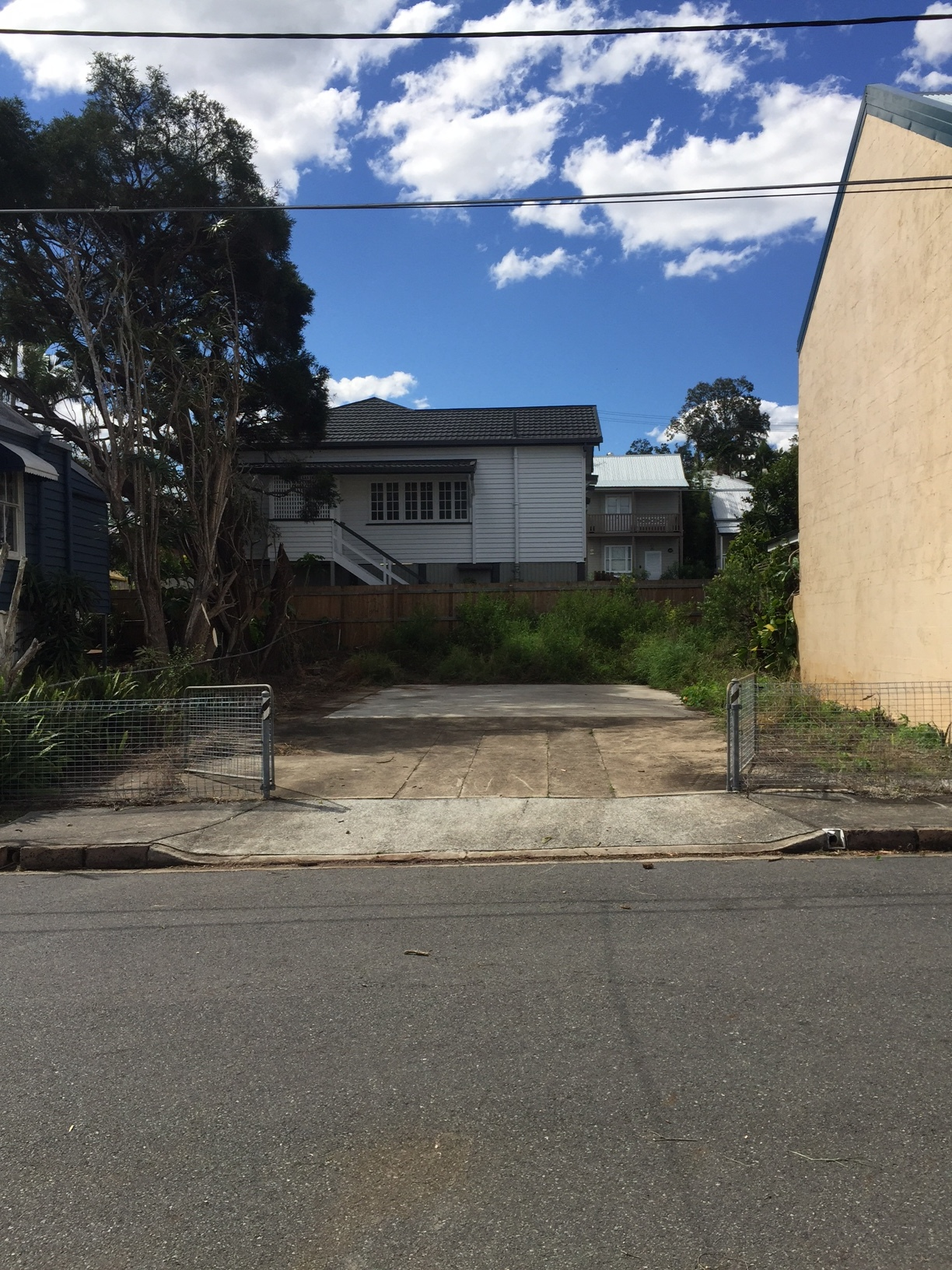 ABOVE: WE CAN'T WAIT TO GET STUCK INTO BUILDING THE REPLICA QUEENSLANDER PLANED FOR THISSMALL LOT IN PETRIE TERRACE THIS MONTH!