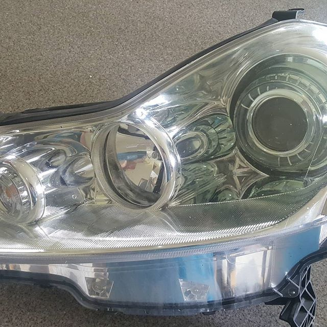 "A little before and after on the 07 Infiniti M35x headlights. Doesn't look like much, but if you look closely, what ""grew"" there is 3"" mini D2s, Apollo V3 shroud, profile dual output ballasts, flat black paint with chrome bezels. #mmsport #mmsportonline #infiniti #infinitim35 #trs #theretrofitsource @infiniti_motors @infinitiusa @theretrofitsource"