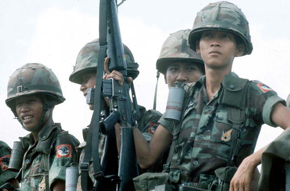 ARVN Airborne Division soldiers, April 1975.