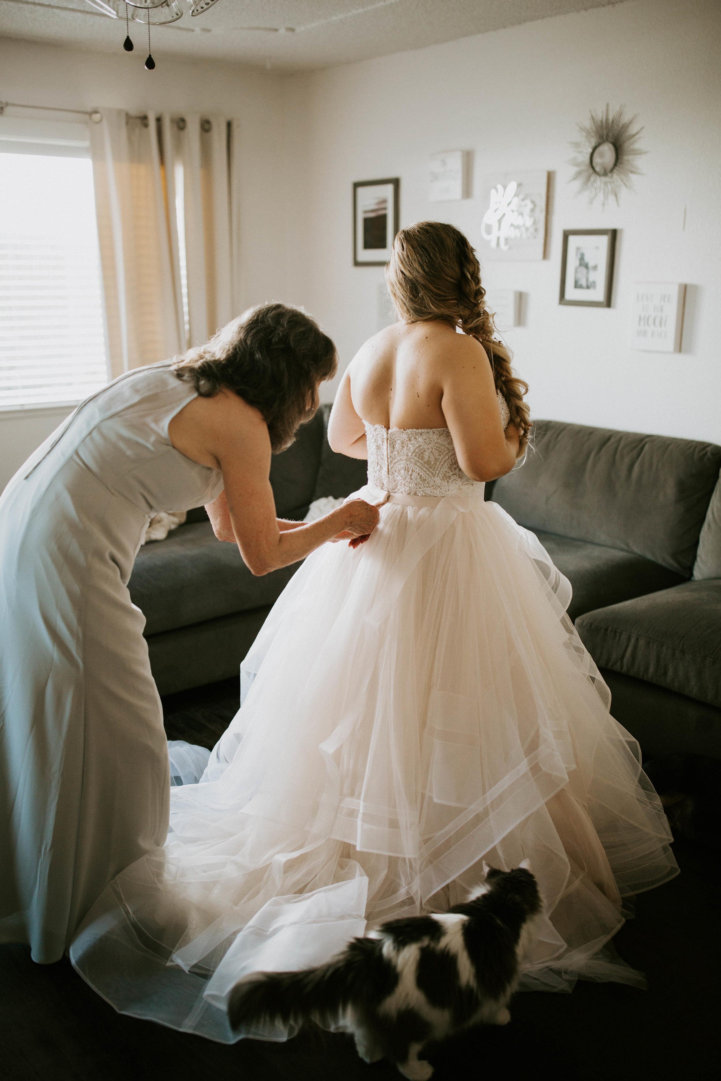 Kelsee&Yudith'sbackyardintimatewedding(35of646).jpg