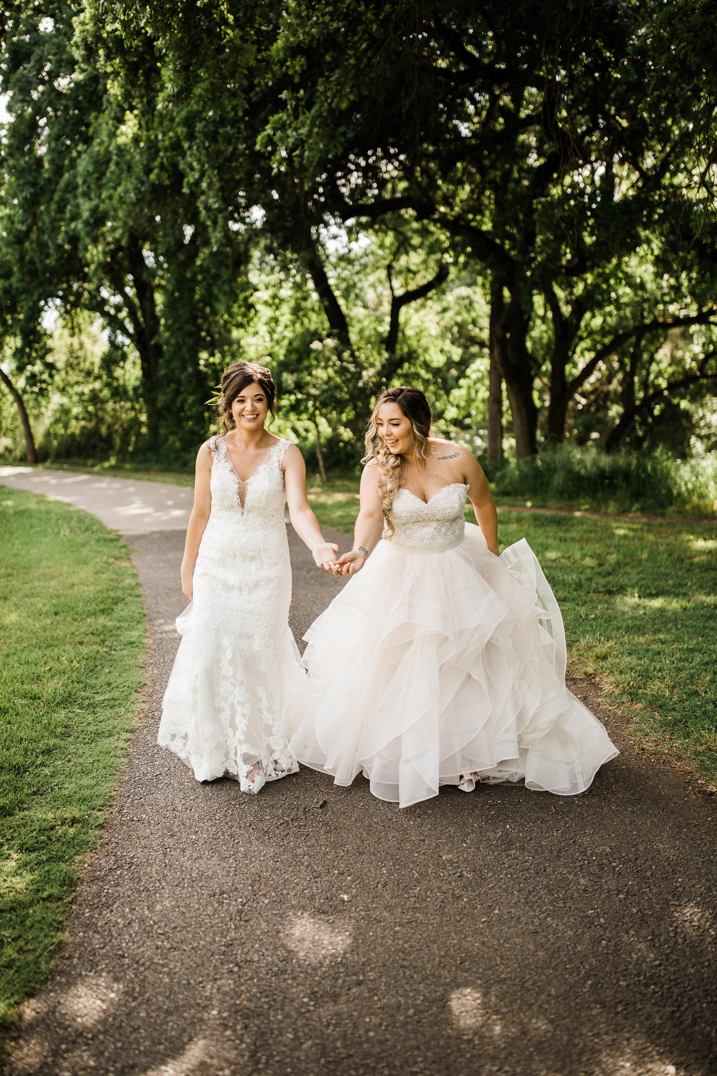 Kelsee&Yudith'sbackyardintimatewedding(302of646).jpg