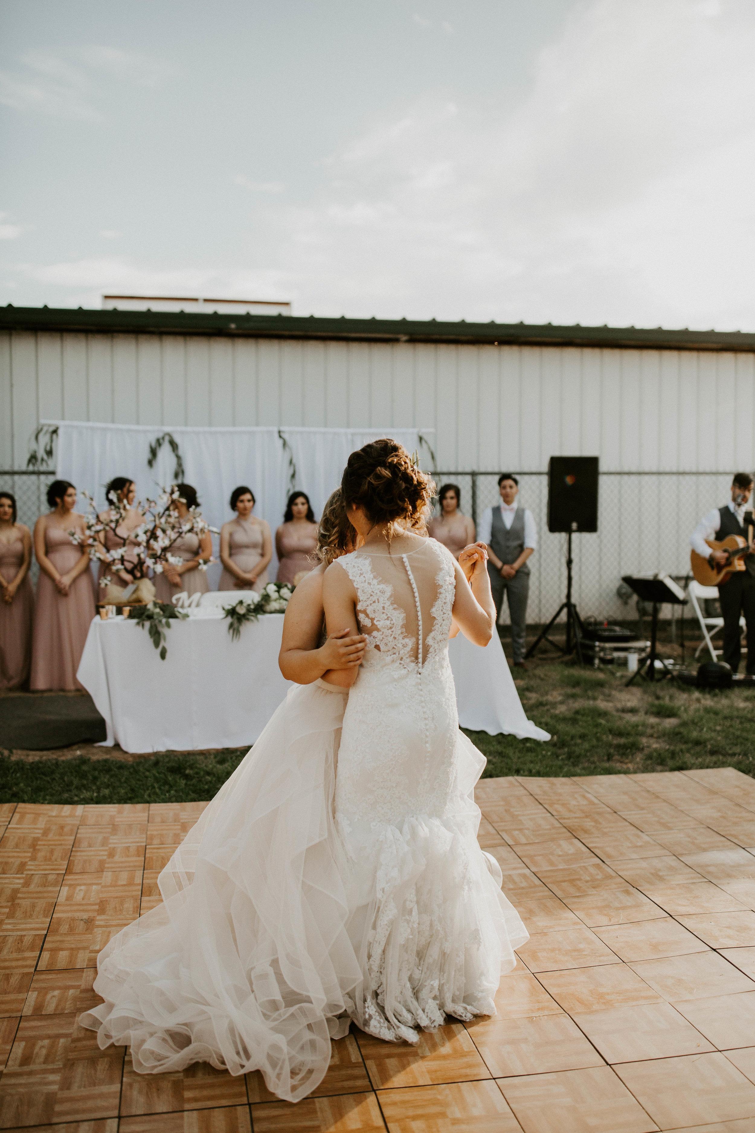 Kelsee&Yudith'sbackyardintimatewedding(388of646).jpg
