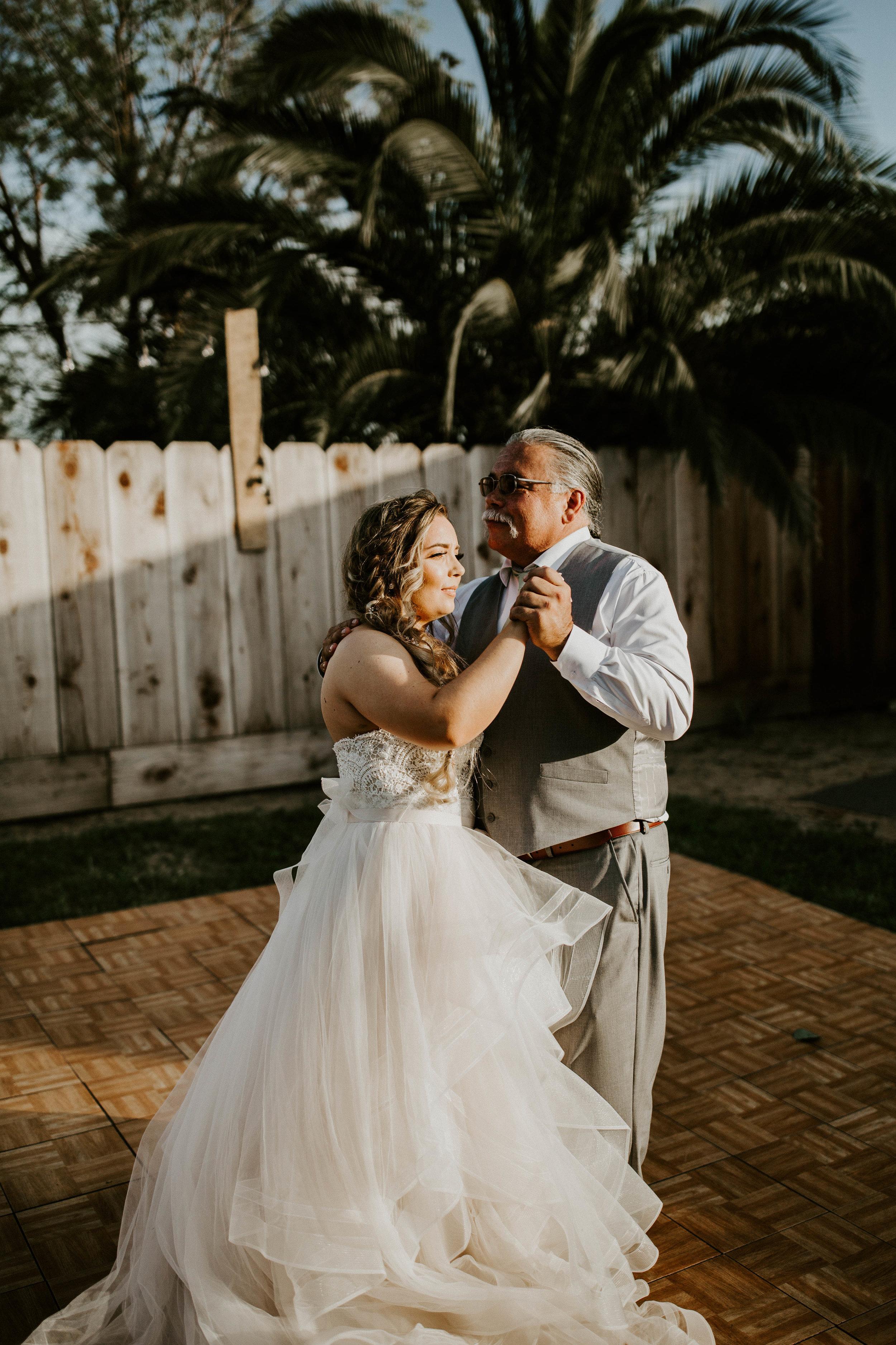 Kelsee&Yudith'sbackyardintimatewedding(397of646).jpg