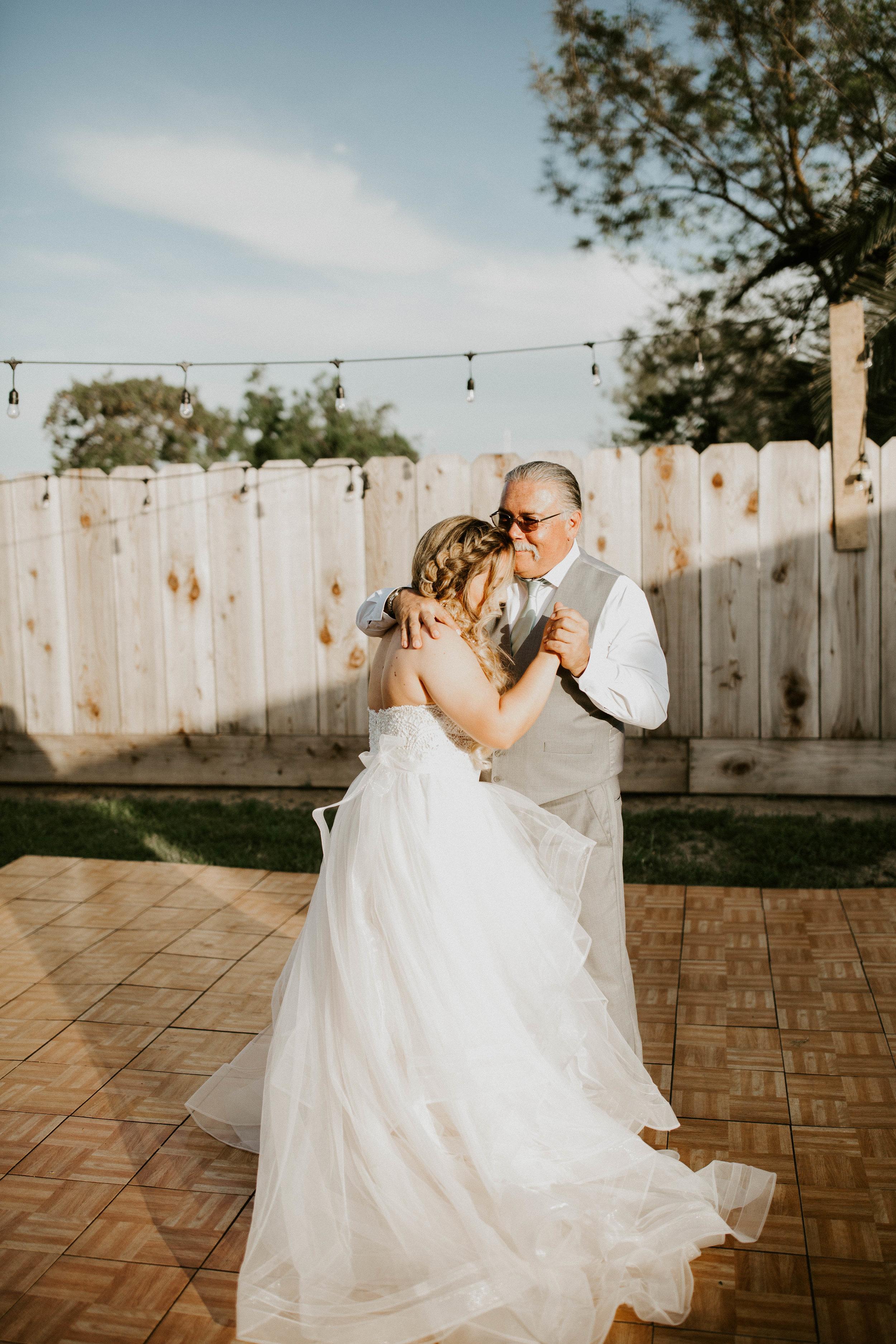 Kelsee&Yudith'sbackyardintimatewedding(400of646).jpg