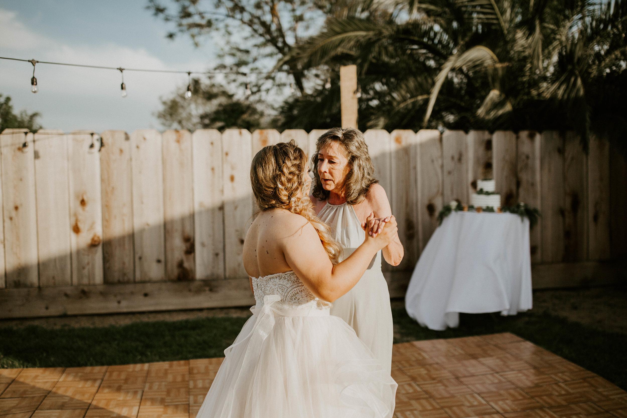 Kelsee&Yudith'sbackyardintimatewedding(404of646).jpg