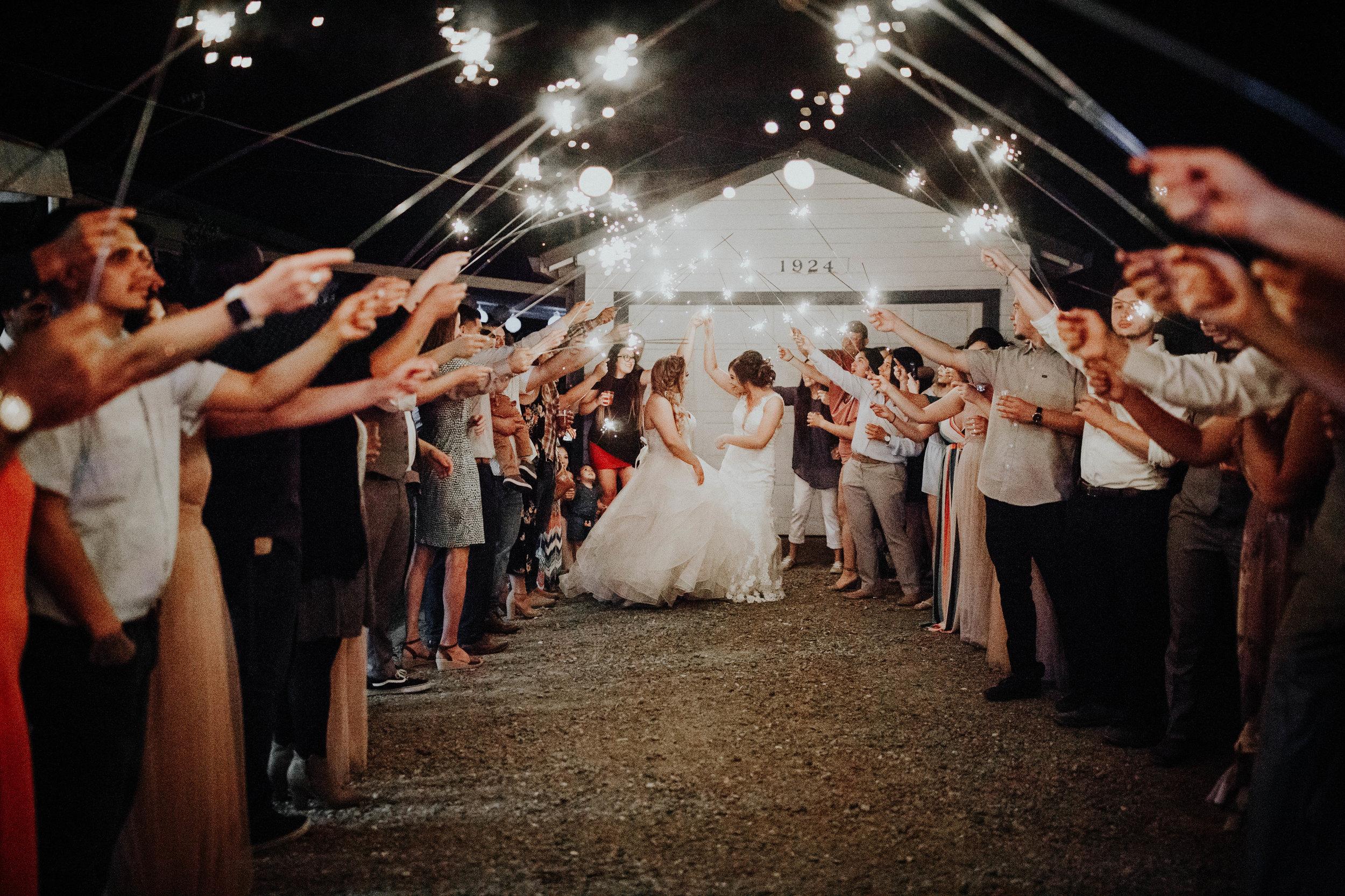 Kelsee&Yudith'sbackyardintimatewedding(588of646).jpg