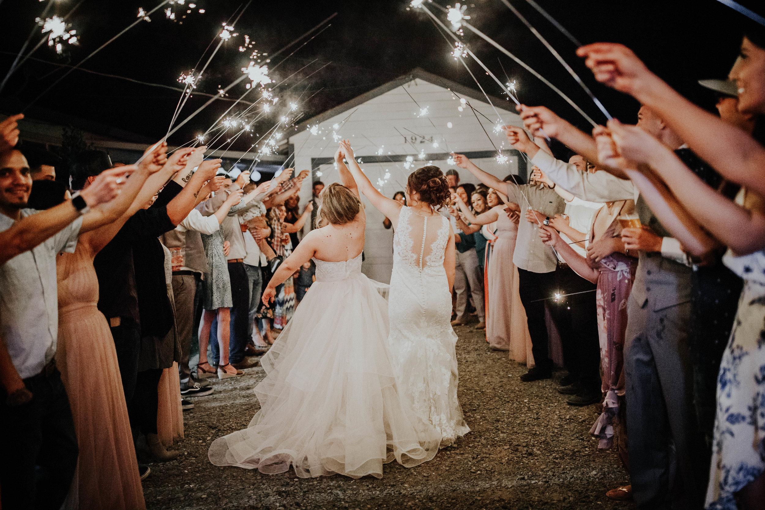 Kelsee&Yudith'sbackyardintimatewedding(595of646).jpg
