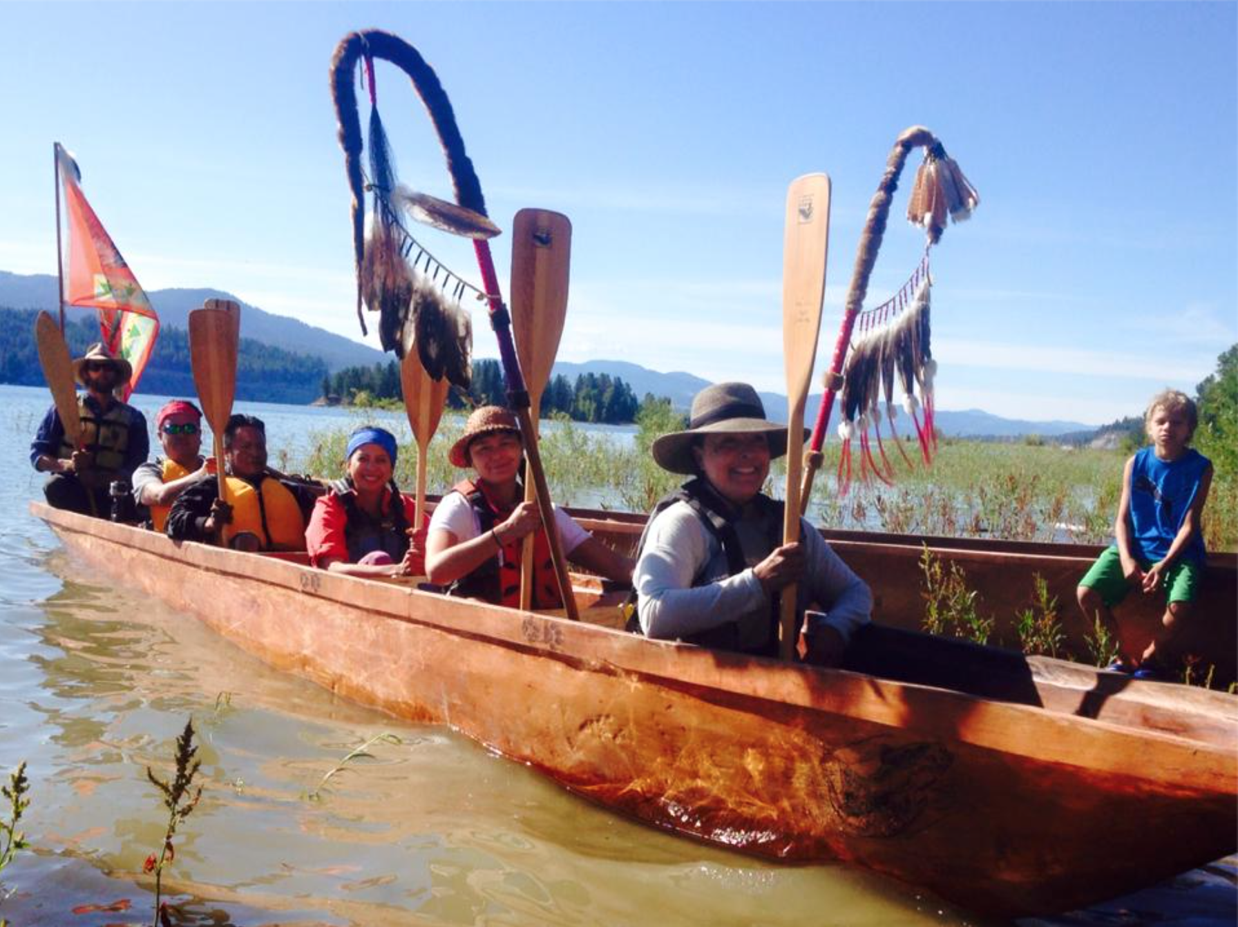 Nespelem Canoe Family paddles north to Kettle Falls 2016