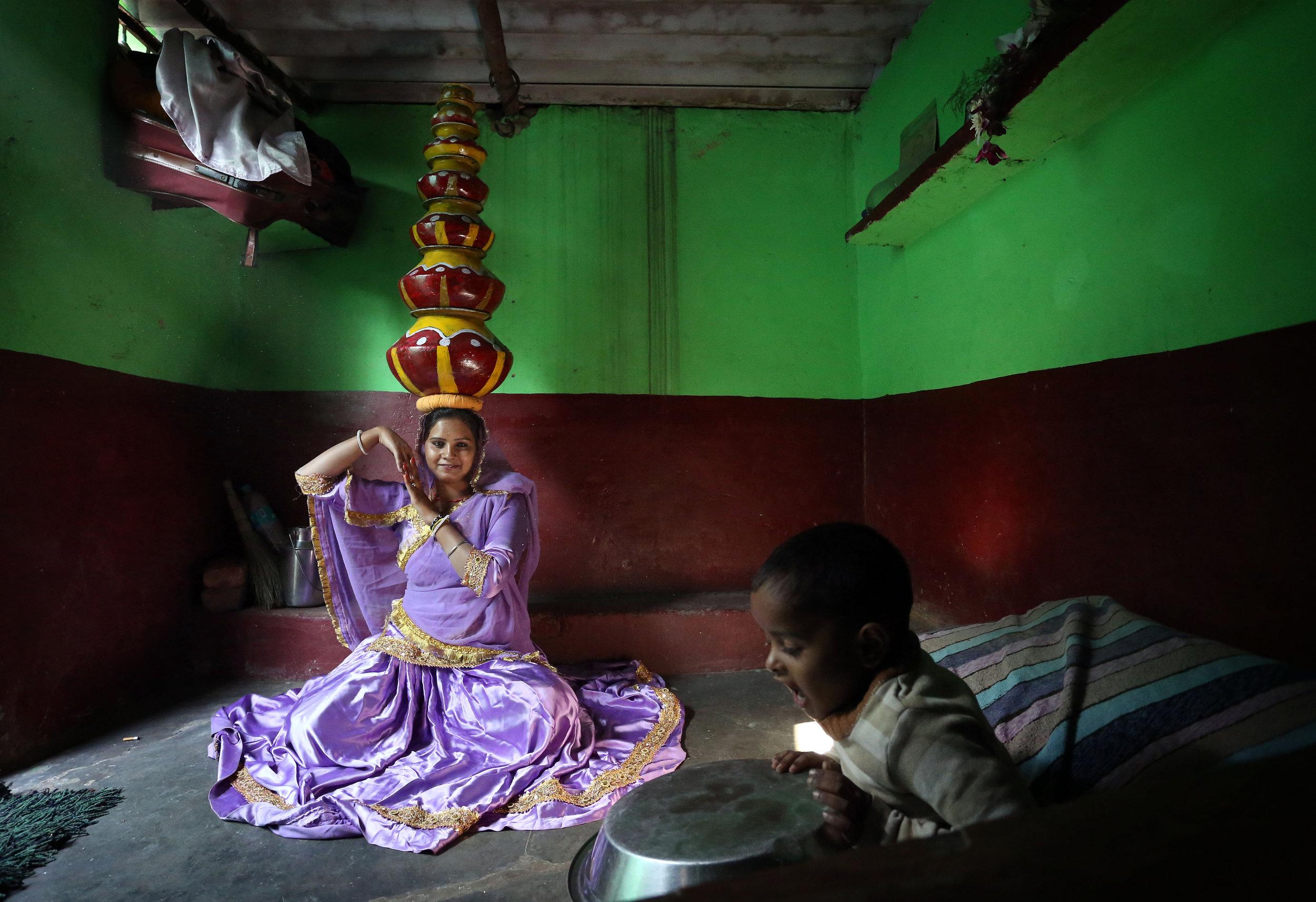 Bhavai dancer