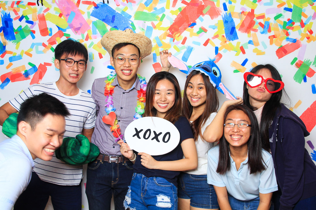 SNAP-A-TON - Enjoy unlimited snaps and prints with all of our packages!Our photo booths are guaranteed to bring your special occasion to the next level, while creating timeless keepsakes for your guests.Line up, strike a pose and never forget the fun you had!