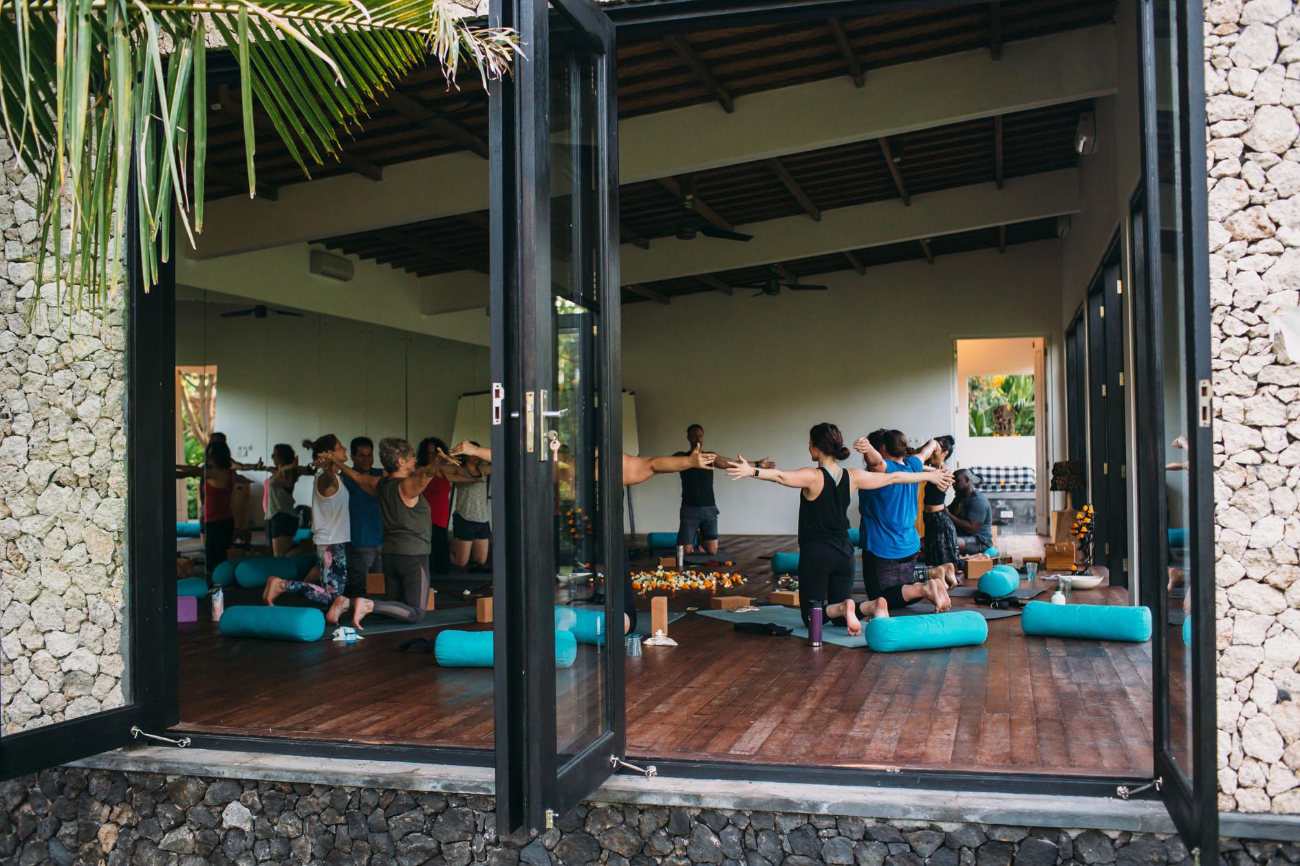 Jenna - Cirle yoga Studio low.jpg
