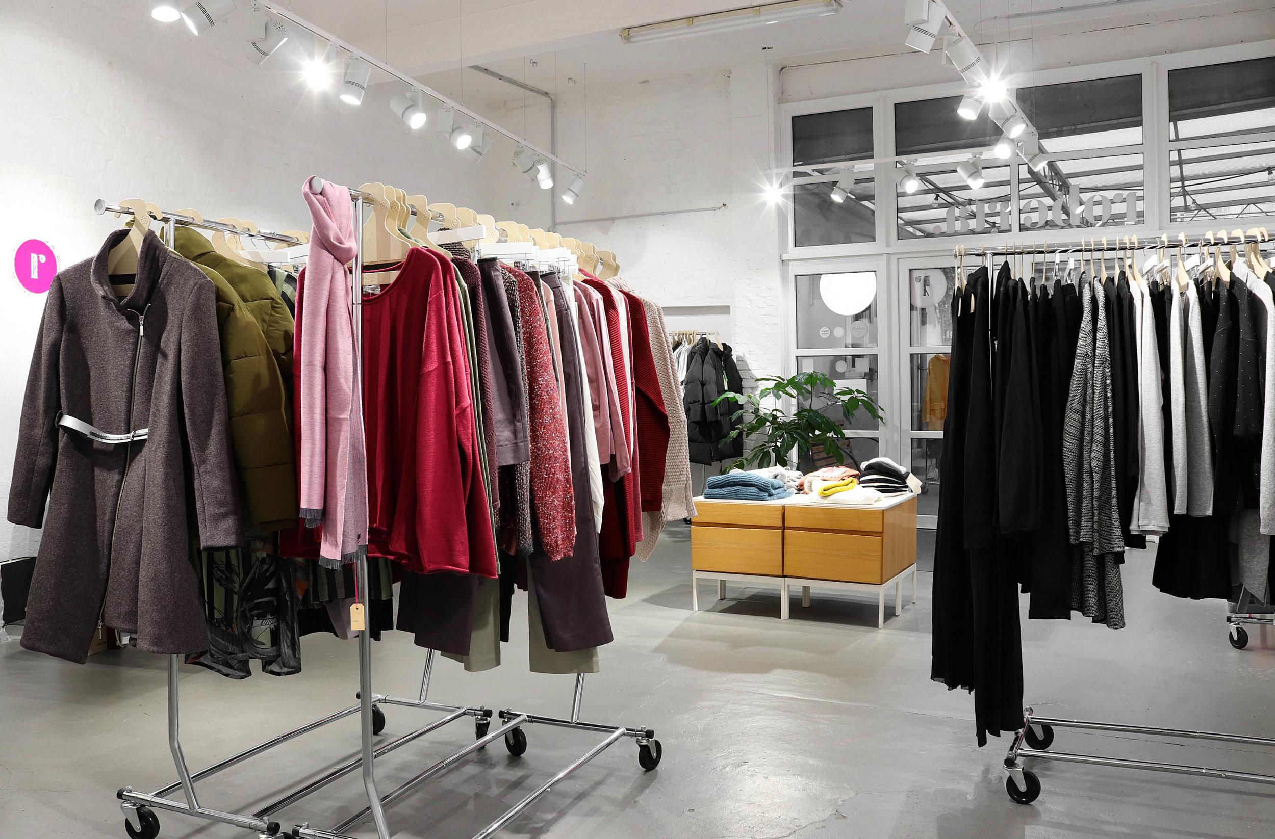 roberta organic fashion Düsseldorf nach außen für Vivid.jpg