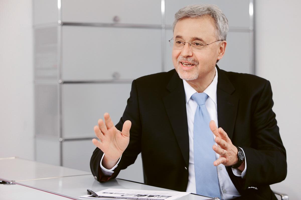 Dr. Levent Yüksel, Werksleiter des BASF-Standortes Düsseldorf-Holthausen.