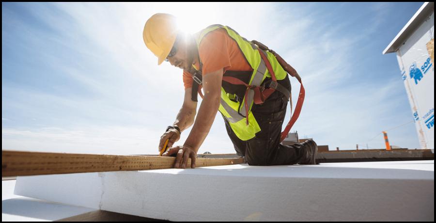16-Roofer-worker-Commercial-Roofing-SK.png