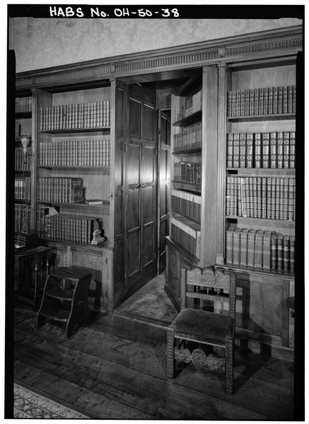 DETAIL OF SECRET DOOR TO GREAT HALL FROM LIBRARY, NORTH WALL - Stan Hywet Hall, 714 North Portage Path, Akron, Summit County, OH: Library of Congress Prints and Photographs Division