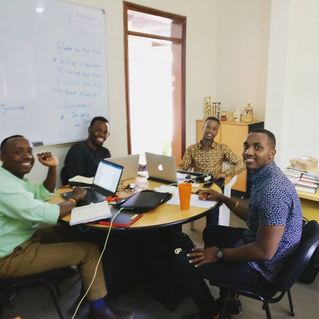 Think tank: The @bridge2rwanda Agricultural Development team hard at work developing plans for our SEED4 Africa business. On track to get seed in the ground this September and grow each season to develop high yielding varieties of maize (corn) and soya (soy beans) for Rwandan farmers. Learn more about @bridge2rwanda by visiting our website (link in bio) and clicking on Our Partners under About. • • • #partnership #thinktank #b2rscholars #SEED4Africa #seeds #agriculturaldevelopment