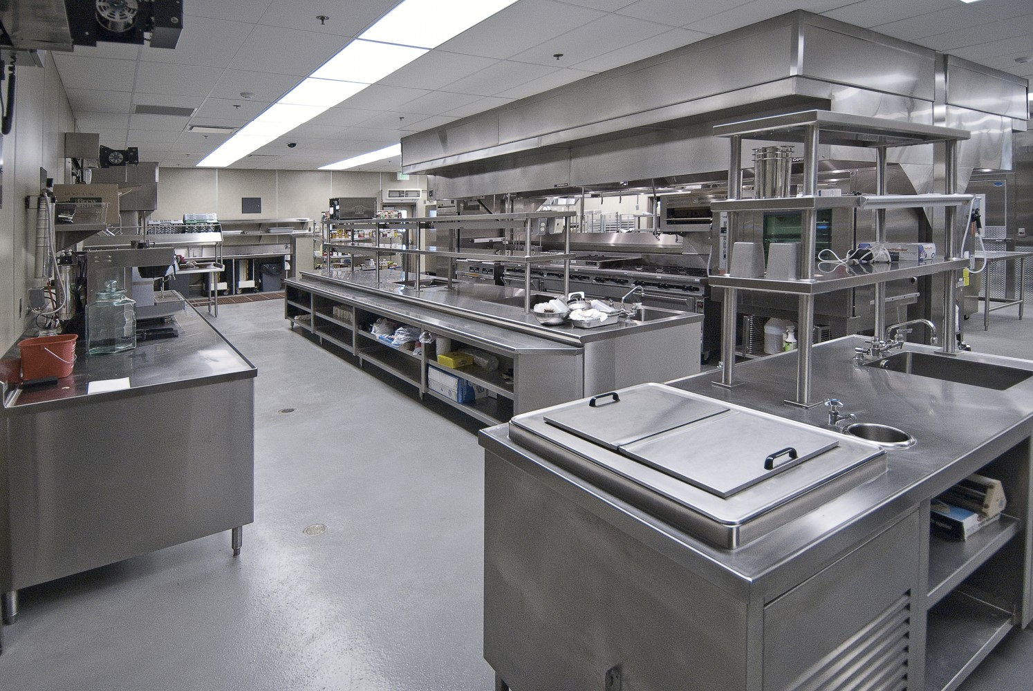 Commercial Kitchen & Catering Equipment For All of Your Cooking Needs! - We offer  an extensive  selection of used commercial kitchen equipment, from refrigerators and coolers to convection ovens, griddles,deep fryers and much more. Find all of your Stainless  Steel and  NSF approved equipment here at bargain prices.