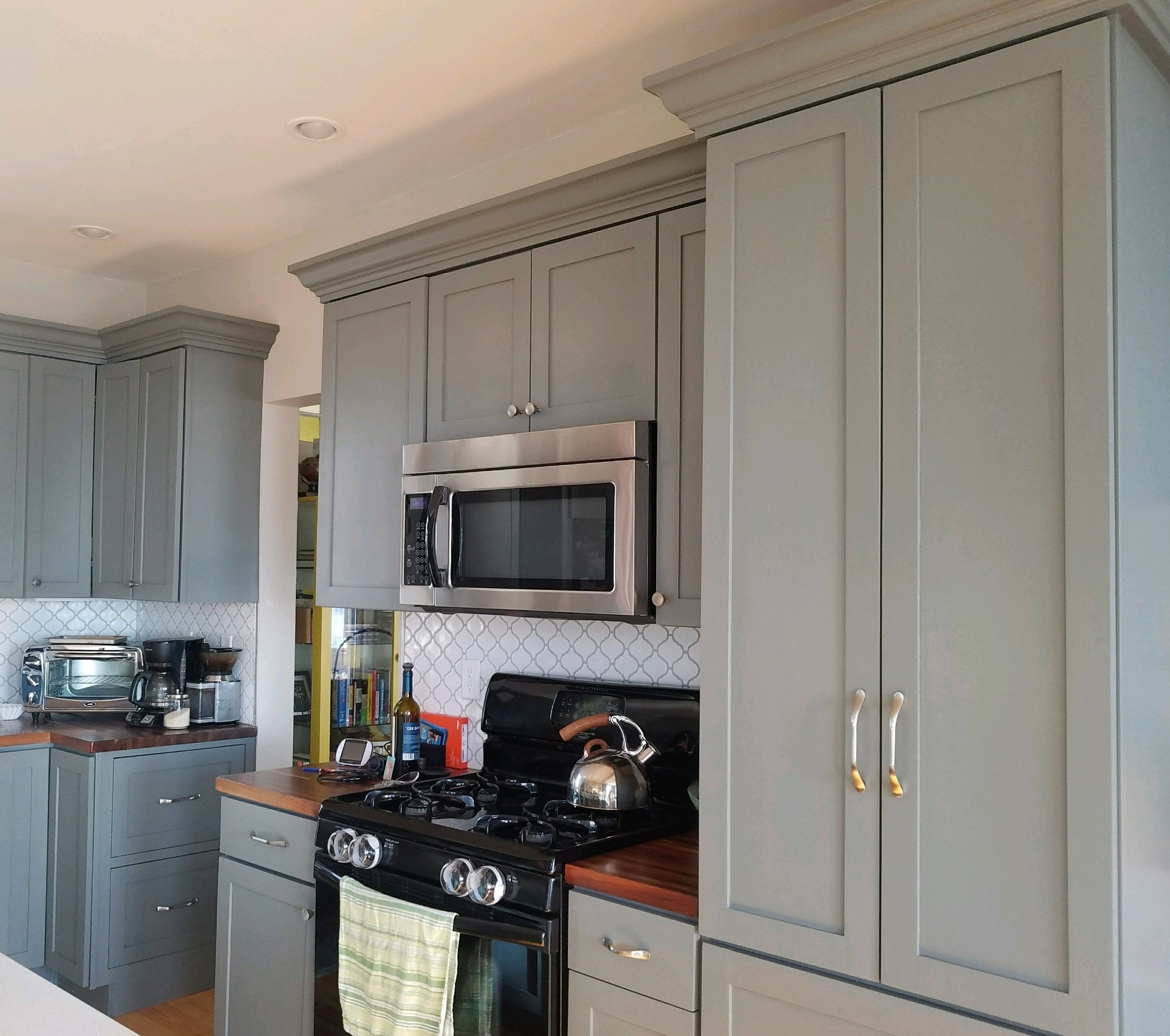 Kitchen Remodeling - We are capable of doing all levels of kitchen remodeling projects: updating cabinetry and backsplashes, refacing and repainting cabinets, as well as complete kitchen renovations.