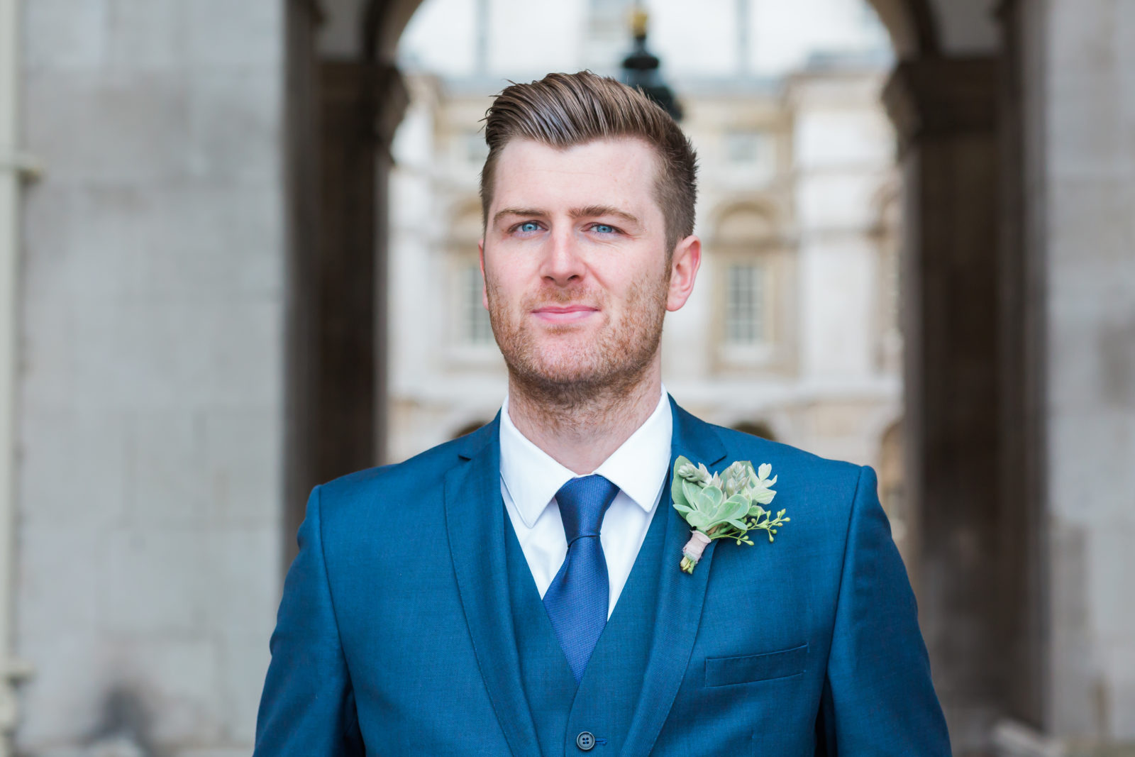 groom-at-the-Trafalgar-Tavern-Greenwich.jpg